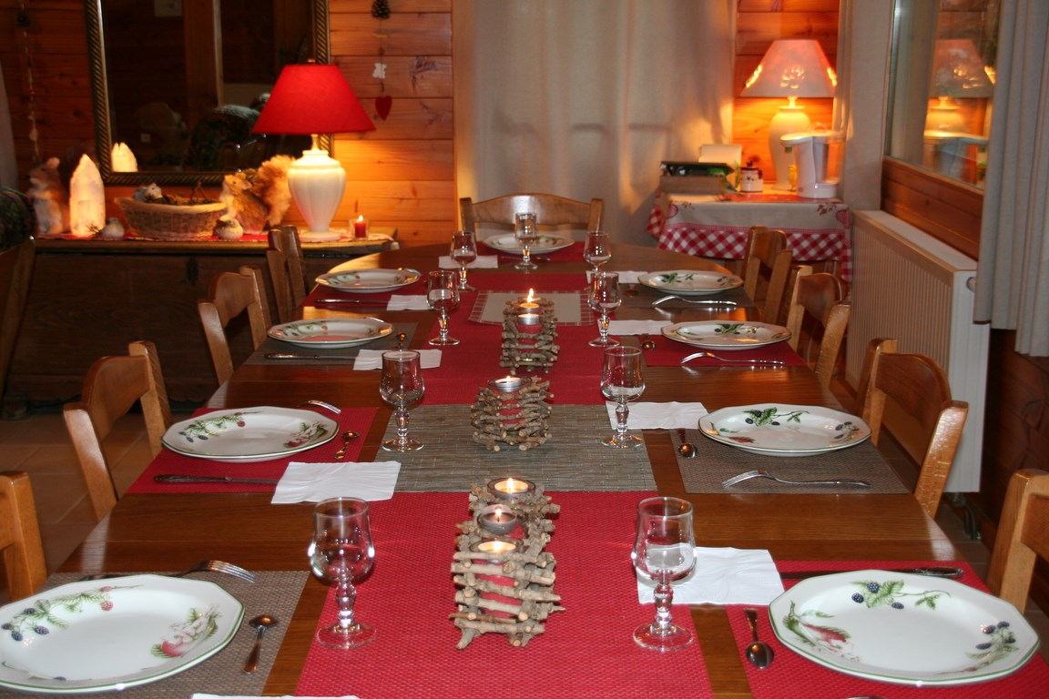 table d hote 2 cote d opale retour aux sources chambres d 39 h tes c te d 39 opale. Black Bedroom Furniture Sets. Home Design Ideas